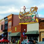 ‪Cream City Ice Cream and Coffee House‬