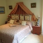 Zimmer, Mac Lennan room