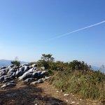 飛行機雲も見えた