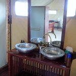 the ensuite, which also provides clothes-washing powder