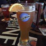 Várias cervejas muito boas! Ambiente agradável! Típico pub irlandês em Miami Beach!