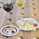 Artisan chocolate & local farmstead cheese pairings.