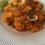 Paella especial, buen toque español