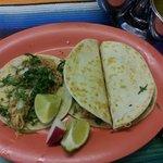 Taco pollo, Quesadilla bistec y Quesadilla pollo.