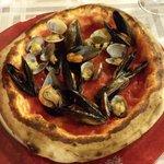 """Pizza """"Al Duomo"""" con frutti di mare: ottima!"""