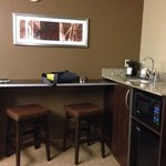 Bar Area w/ Stools King Suite Rm 323