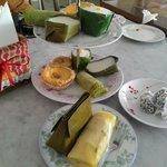 Mama Toko Kue dan Es Krim