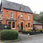 The Wiltons (pub/restaurant - next door)