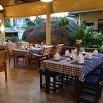 Restaurant mit Blick auf das Bungalow