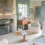 Salon avec cheminée: drawing room with fireplace