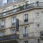 FACHADA DO HOTEL SEROTEL LUTECE PARIS