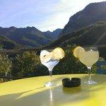 Gin tonic digestivo en la terraza