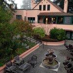 Courtyard at Applewood Inn