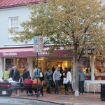 A Beautiful Fall Day in Annapolis ....great for Ice Cream