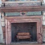Camino posto nel Salone d'onore o Sala di Ercole