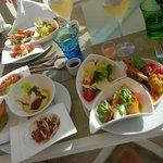 toutes les salades que je pouvais porter jusqu'à la table