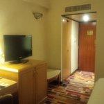 habitacion limpia y con buen aire acondicionado