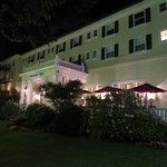Scotia Inn: Nicely lit at night