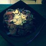 Carpaccio di bresaola, rucola, scaglie di parmigiano e crema di aceto balsamico!!