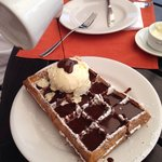 Calda de chocolate + sorvete