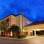 Wingate by Wyndham Greenville Foto