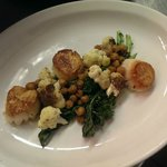Local Scallops w/ Cauliflower, roasted broccoli rabe & crispy chickpeas