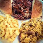 Beef w/ mac & cheese and yellow rice & chicken