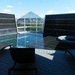 piscine sur la terrasse du 7e