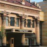 Peery's Egyptian Theater