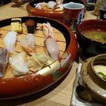 お味噌汁と 茶碗蒸しをつけて