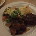 Beef tenderloin con champinones y aji tamarindo sauce