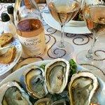 Huîtres de Bouzigues et Pic St Loup rosé