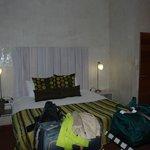 großes Doppelbett mit guter Matratze