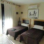 Room (113977684)