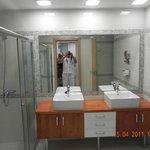 nouvelle salle de bain et ses 2 vasques