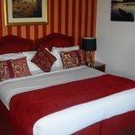 huge bed room 7