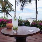 cocktail avec vue sur l'ocean