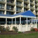 Shoreline Grill - BW Plus Oceanfront