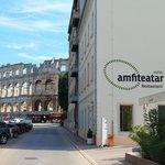El Anfiteatro Romano detrás del Hotel Anfiteatar, en Pula