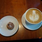 Ameretti cookie and Latte
