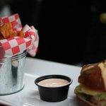 Menu burger, minuscule et infecte, impossible à terminer, le comble !