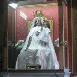 La Virgen sentada
