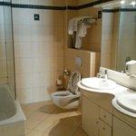 Bathroom with 2 sinks...