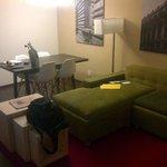 Area de sala de estancia de jr suite