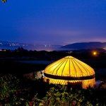 'Mulroy' yurt by night