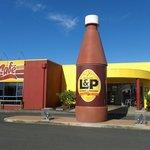 L & P Cafe