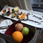 Unbelievable attention to detail and what surprise welcome for our wedding anniversay!!!