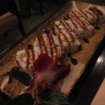 Uramaki hot roll