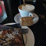 Café y tarta de manzana .....un momento muy romantico