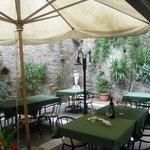 giardino sala pizzeria esterno